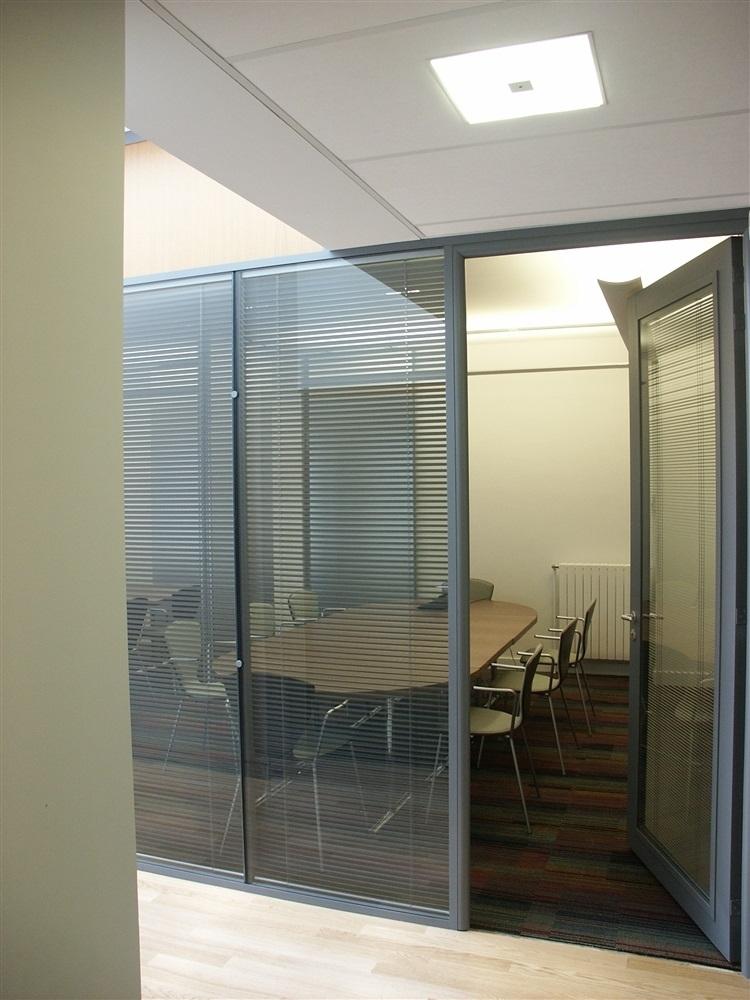 Accés petite salle ,de réunion en second jour