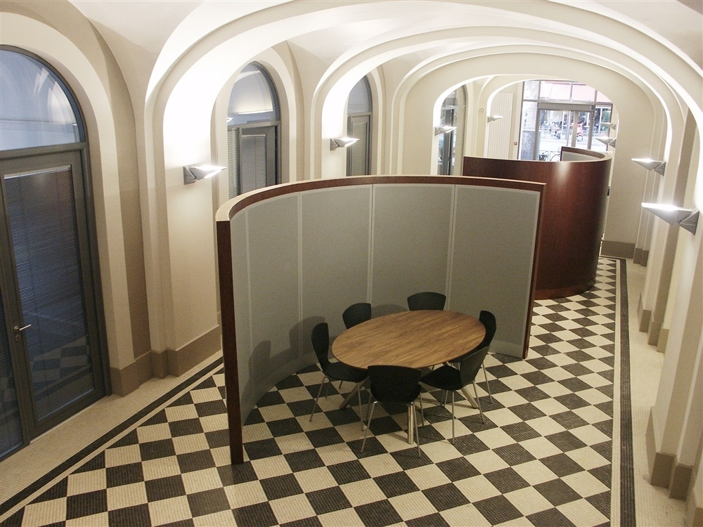 Galerie, espace rencontre informel