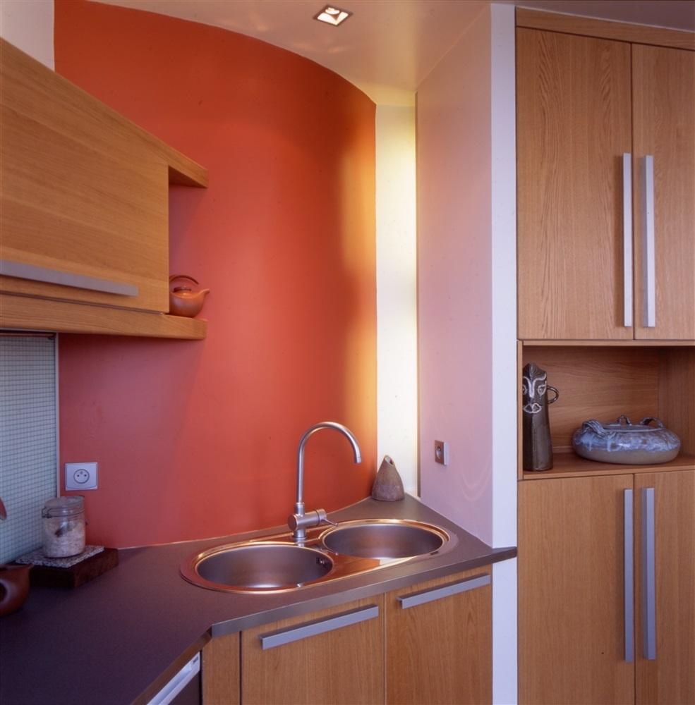 faille lumineuse vitrée entre cuisine et wc© photo, Antonio Duarte