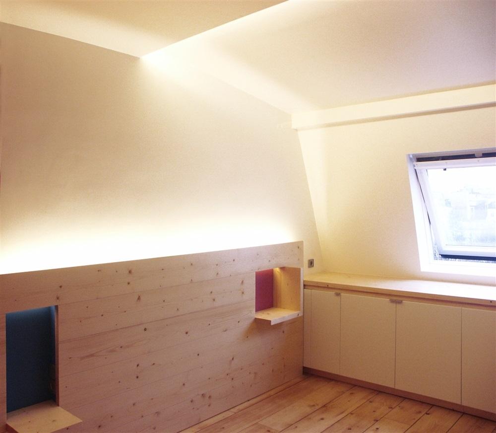 Aménagement de la chambre, tête de lit et placards